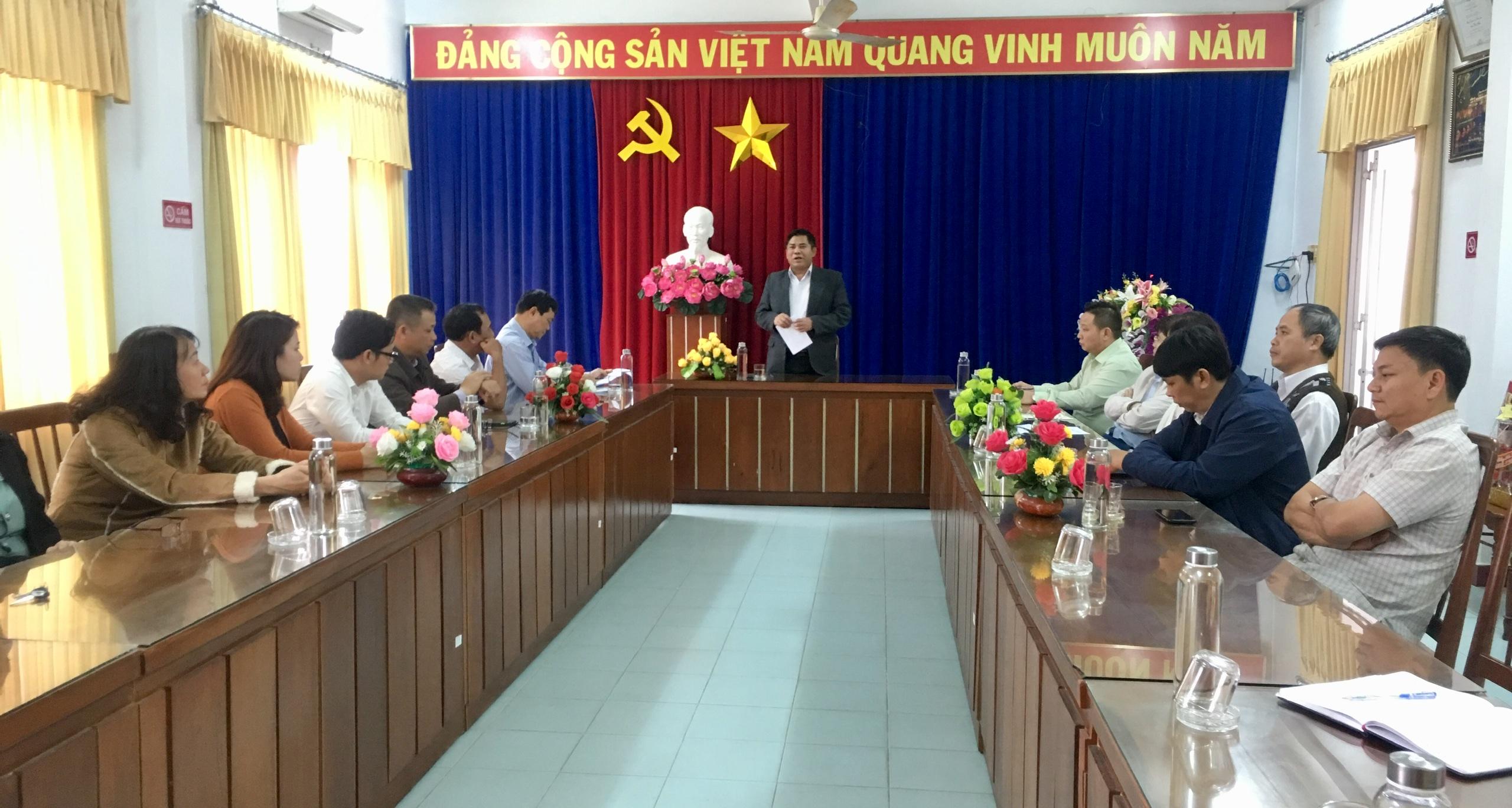Thứ trưởng, Phó Chủ nhiệm Y Thông phát biểu tại buổi làm việc với Ban Dân tộc tỉnh Phú Yên