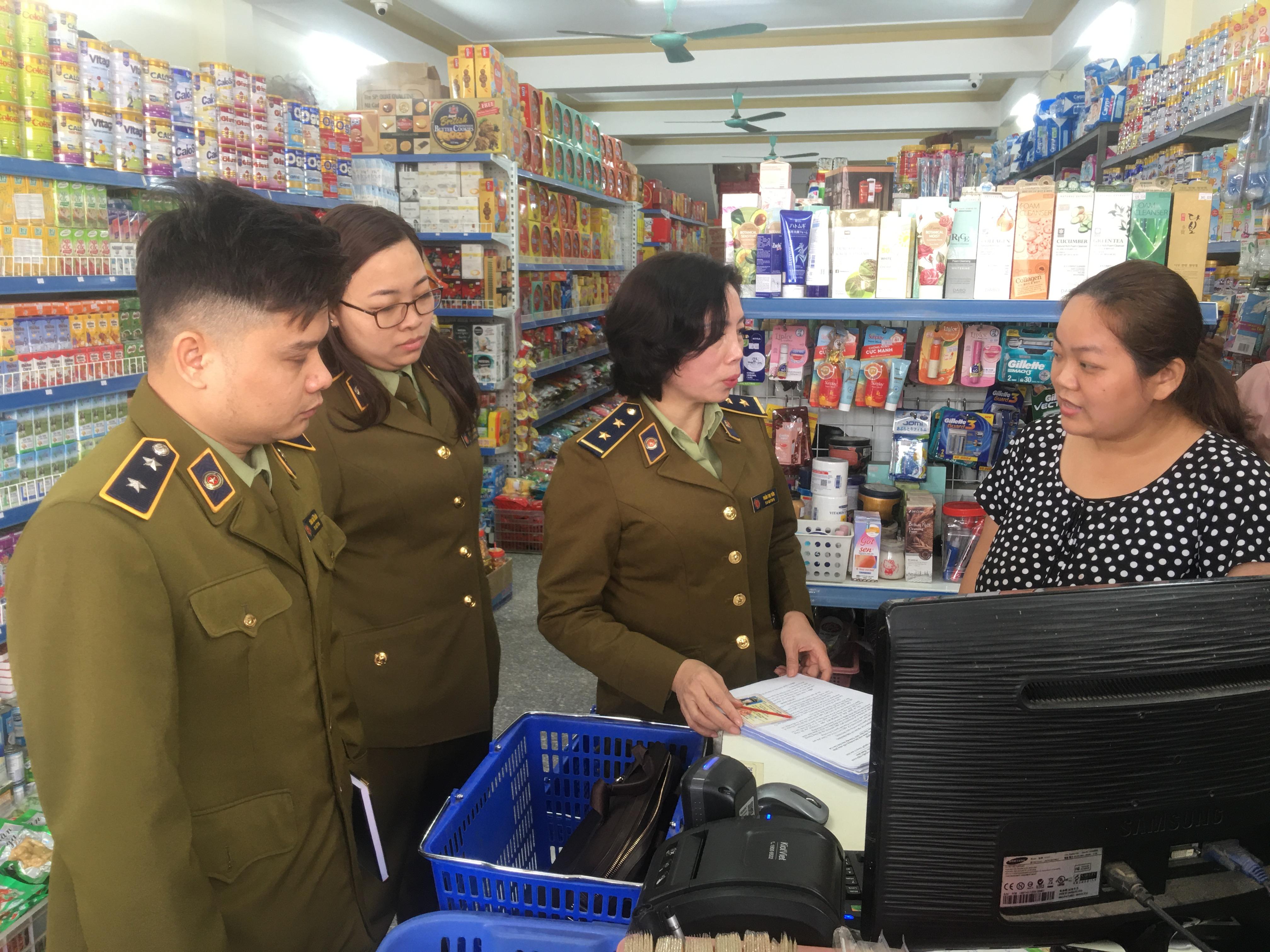 QLTT Lào Cai tăng cường bám nắm địa bàn, kiểm tra đột xuất khi phát hiện có dấu hiệu vi phạm đối với các đơn vị kinh doanh