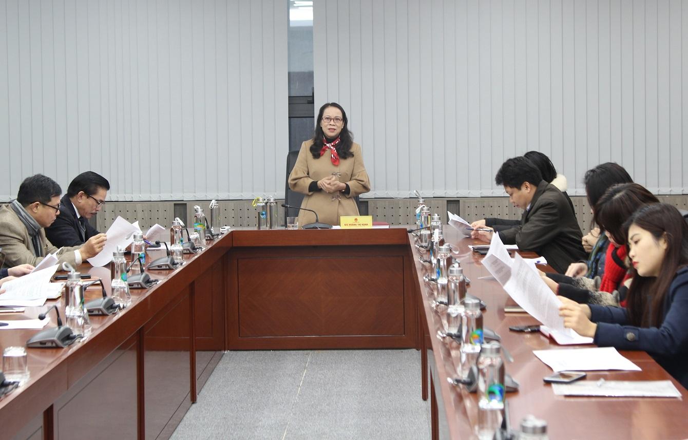 Thứ trưởng, Phó Chủ nhiệm UBDT Hoàng Thị Hạnh chủ trì buổi họp