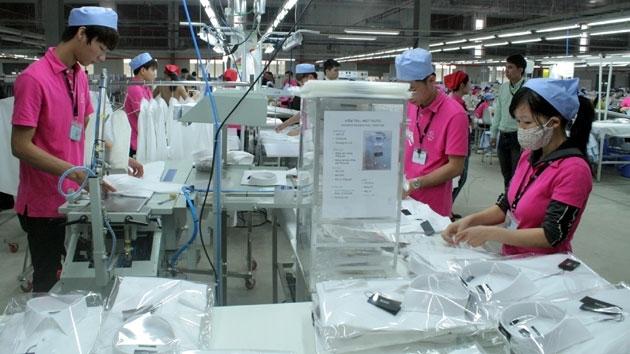 Công nhân làm việc tại KCN Lương Sơn, Hoà Bình