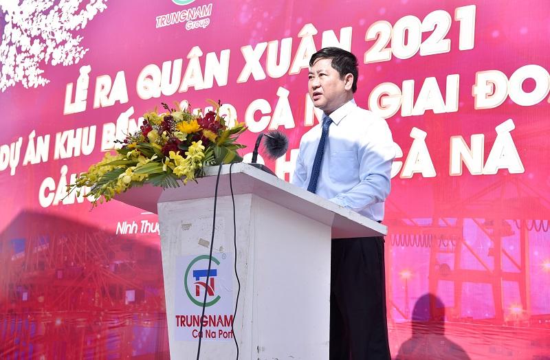 Ông Trần Quốc Nam – Chủ tịch UBND tỉnh Ninh Thuận phát biểu tại buổi Lễ ra quân xuân 2021 Dự án khu bến Cảng Cà Ná