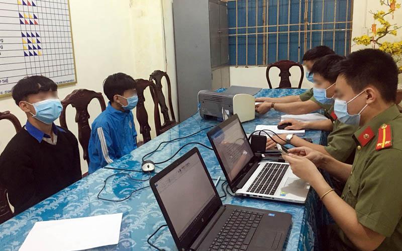 Các đối tượng tung tin sai sự thật ở Lâm Đồng bị nhắc nhở tại cơ quan Công an