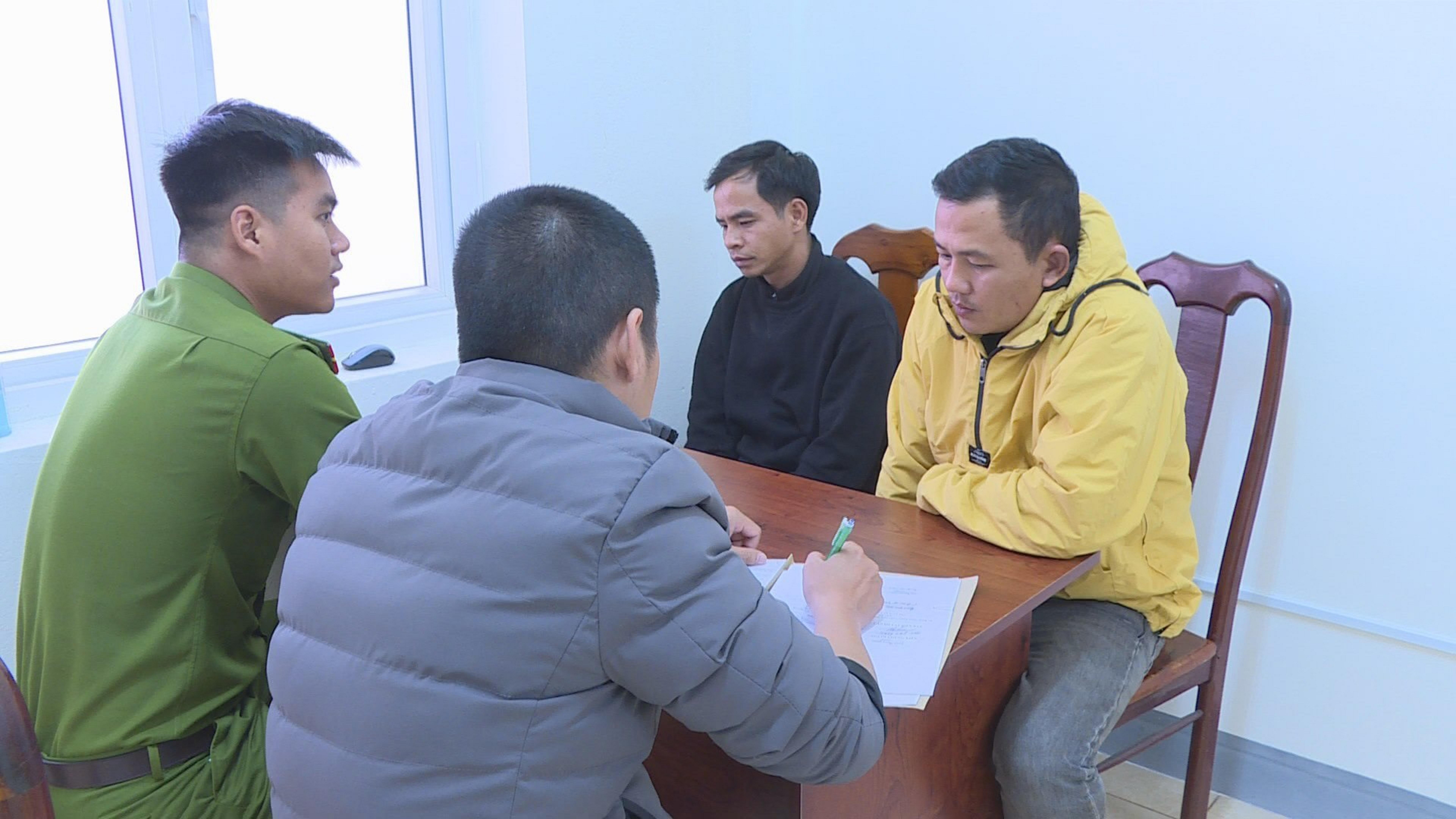 Công an Đắk Lắk lấy lời khai các đối tượng hoạt động tín dụng đen