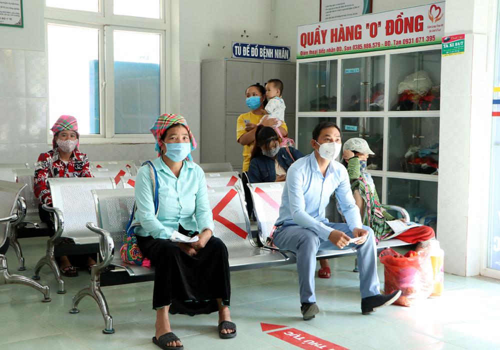 Thống kê trong 5 năm qua, các cơ sở y tế trên địa bàn tỉnh Lai Châu đã khám và điều trị cho trên 1,1 triệu lượt bệnh nhân, trong đó có hơn 80 nghìn lượt bệnh nhân điều trị nội trú.