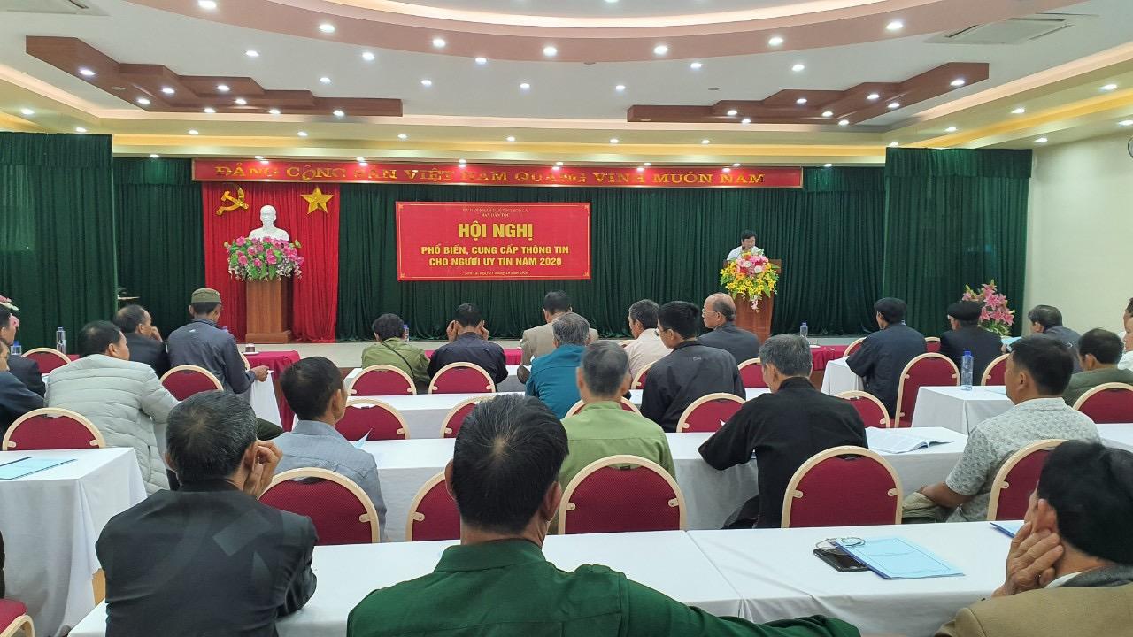 Người có uy tín trong đồng bào DTTS tỉnh Sơn La được tham gia đầy đủ các buổi cung cấp thông tin do Ban Dân tộc tỉnh tổ chức.