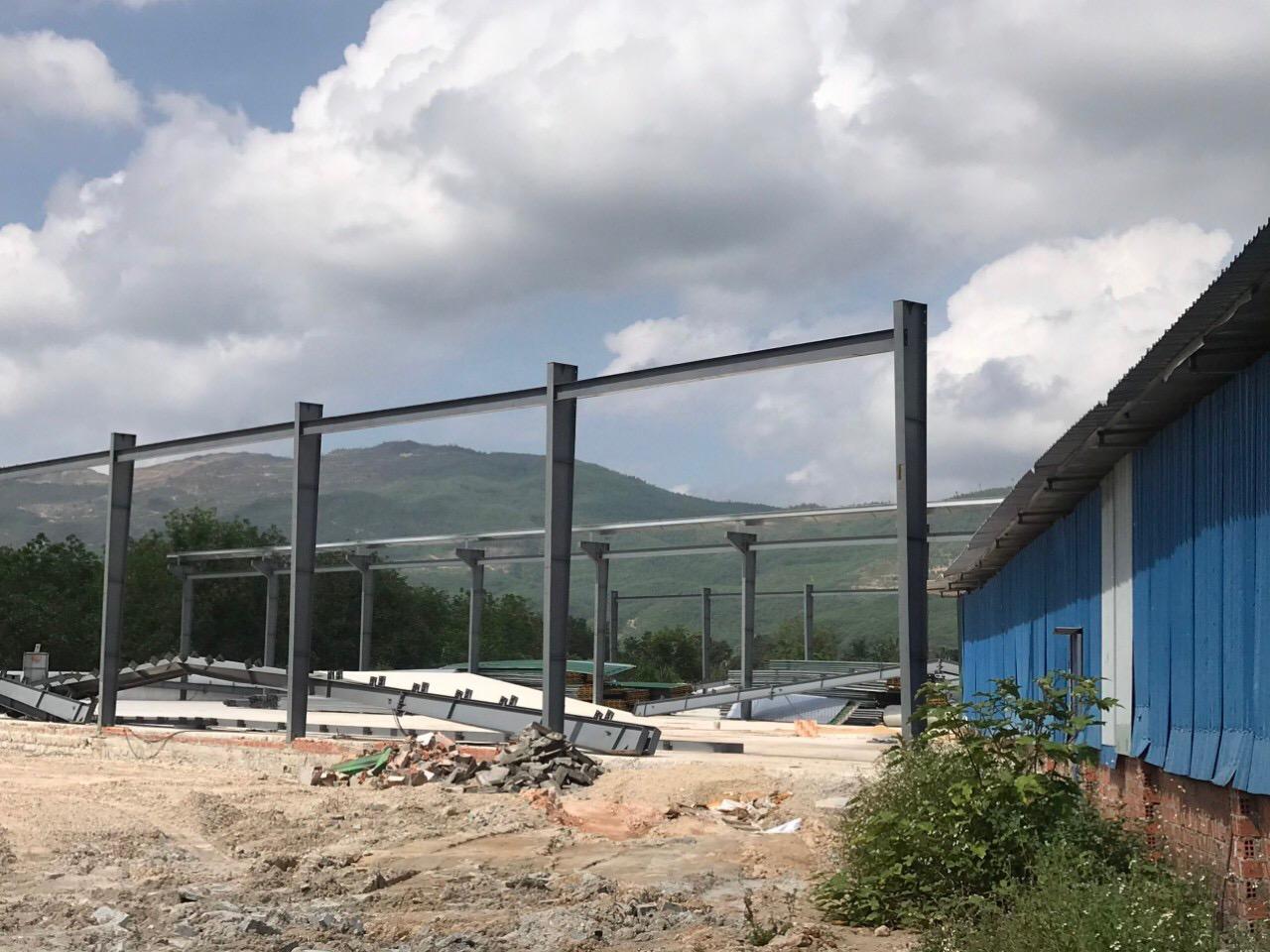 Hàng nghìn mét vuông xây dựng trái phép của Công ty TNHH Phúc Linh tại KCN Long Mỹ vẫn chưa được giải quyết dứt điểm