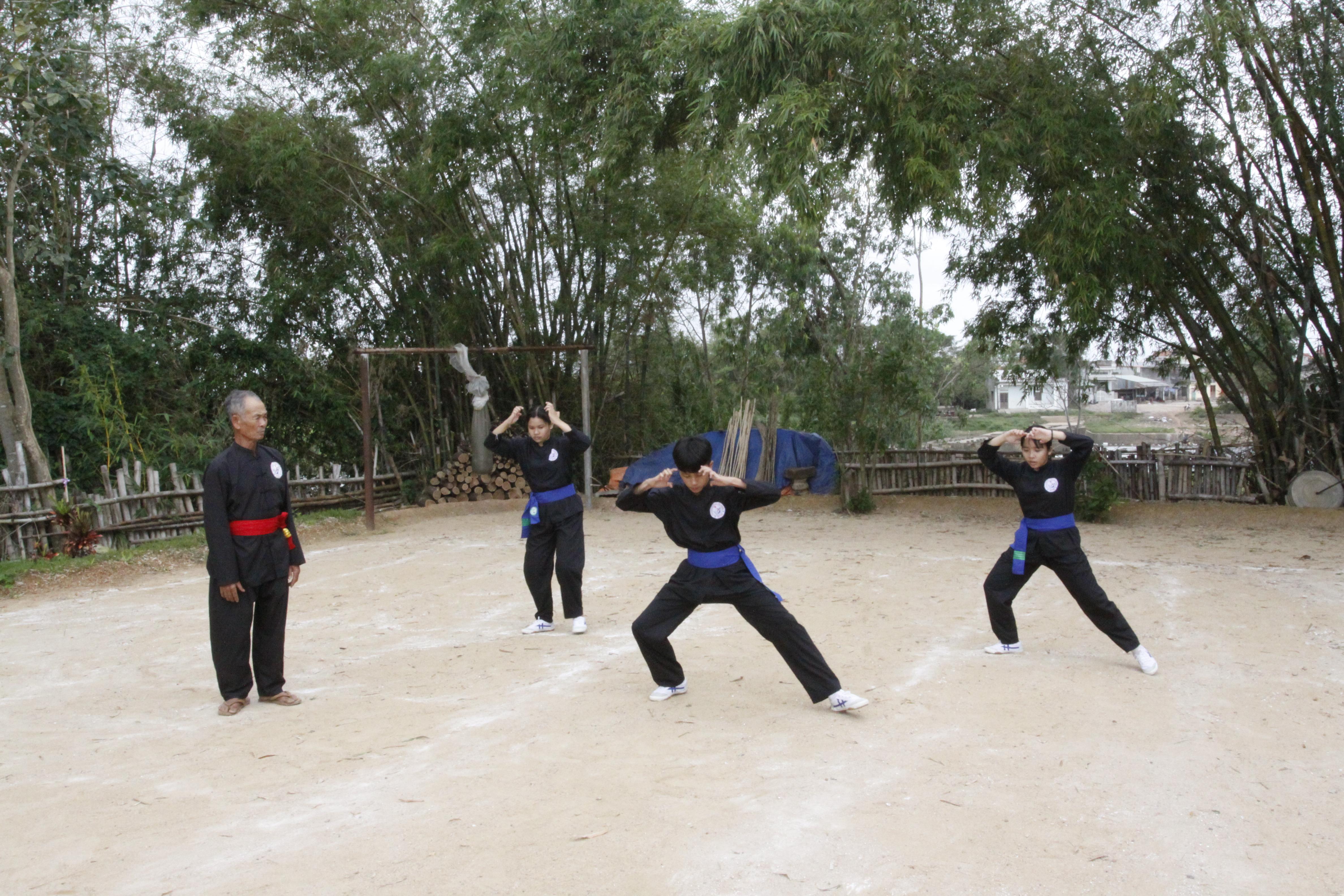 """Võ đường Lê Xuân Cảnh là một trong những """"lò"""" còn giữ và truyền dạy nhiều bài võ cổ truyền Bình Định"""