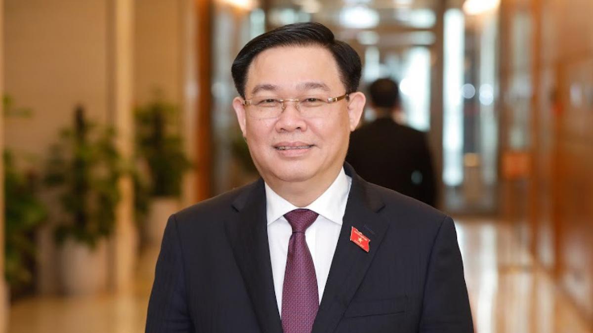 Ủy viên Bộ Chính trị, Bí thư Thành ủy Hà Nội Vương Đình Huệ được đề cử để bầu Chủ tịch Quốc hội, Chủ tịch Hội đồng Bầu cử Quốc gia.