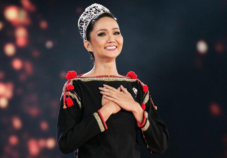 H'Hen Niê – hoa hậu người DTTS đầu tiên đăng quang ở ngôi vị cao nhất của cuộc thi hoa hậu Hoàn vũ Việt Nam