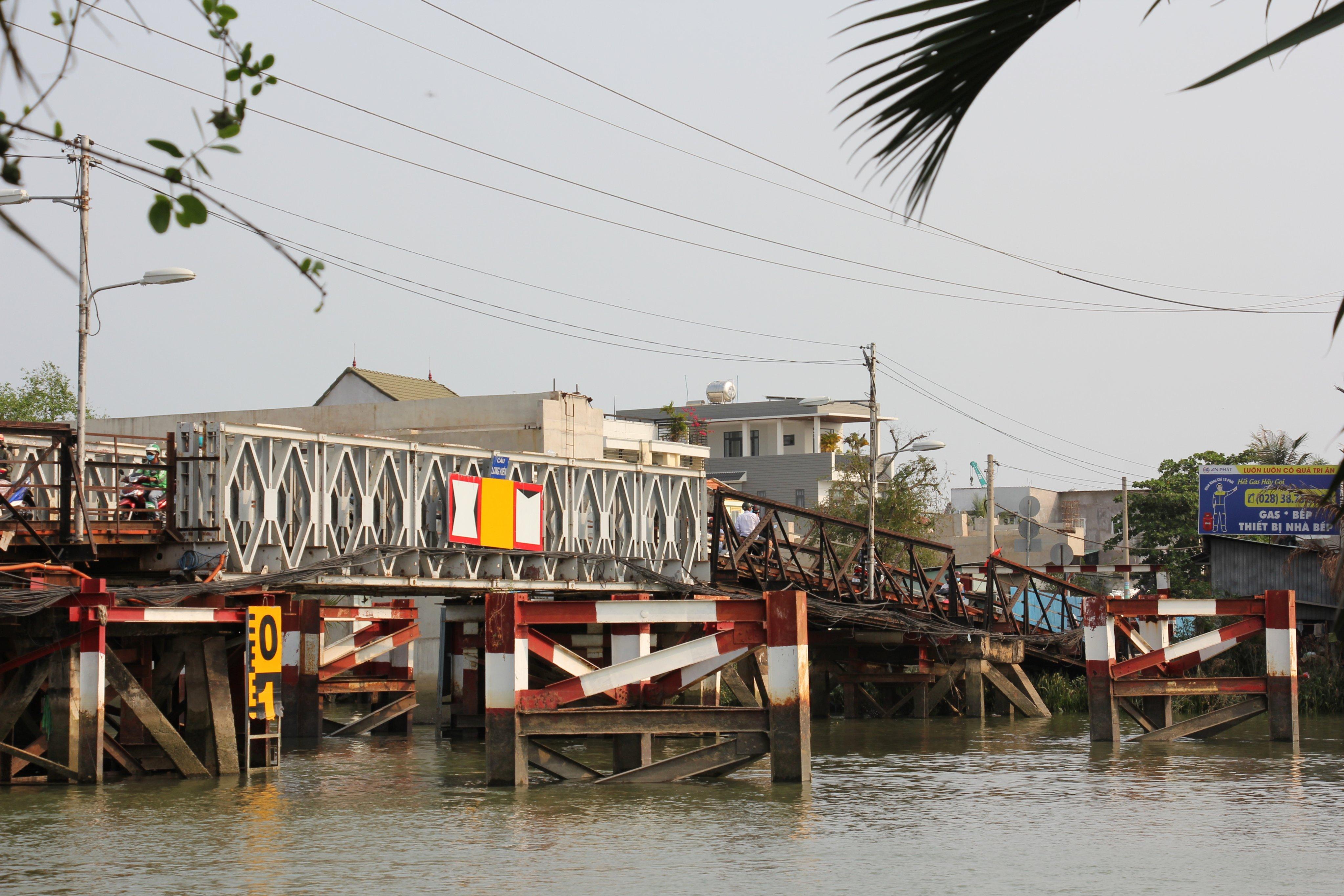 Cầu sắt Long Kiểng đã xuống cấp nghiêm trọng