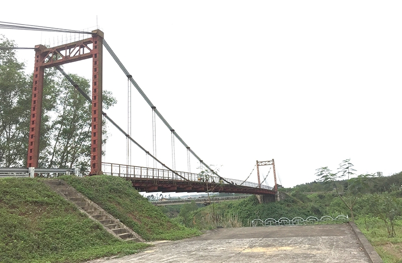 Cầu treo Bến Tắt trên đường Hồ Chí Minh lịch sử có sự giúp đỡ rất lớn về sức người, kĩ thuật của những người bạn Cuba