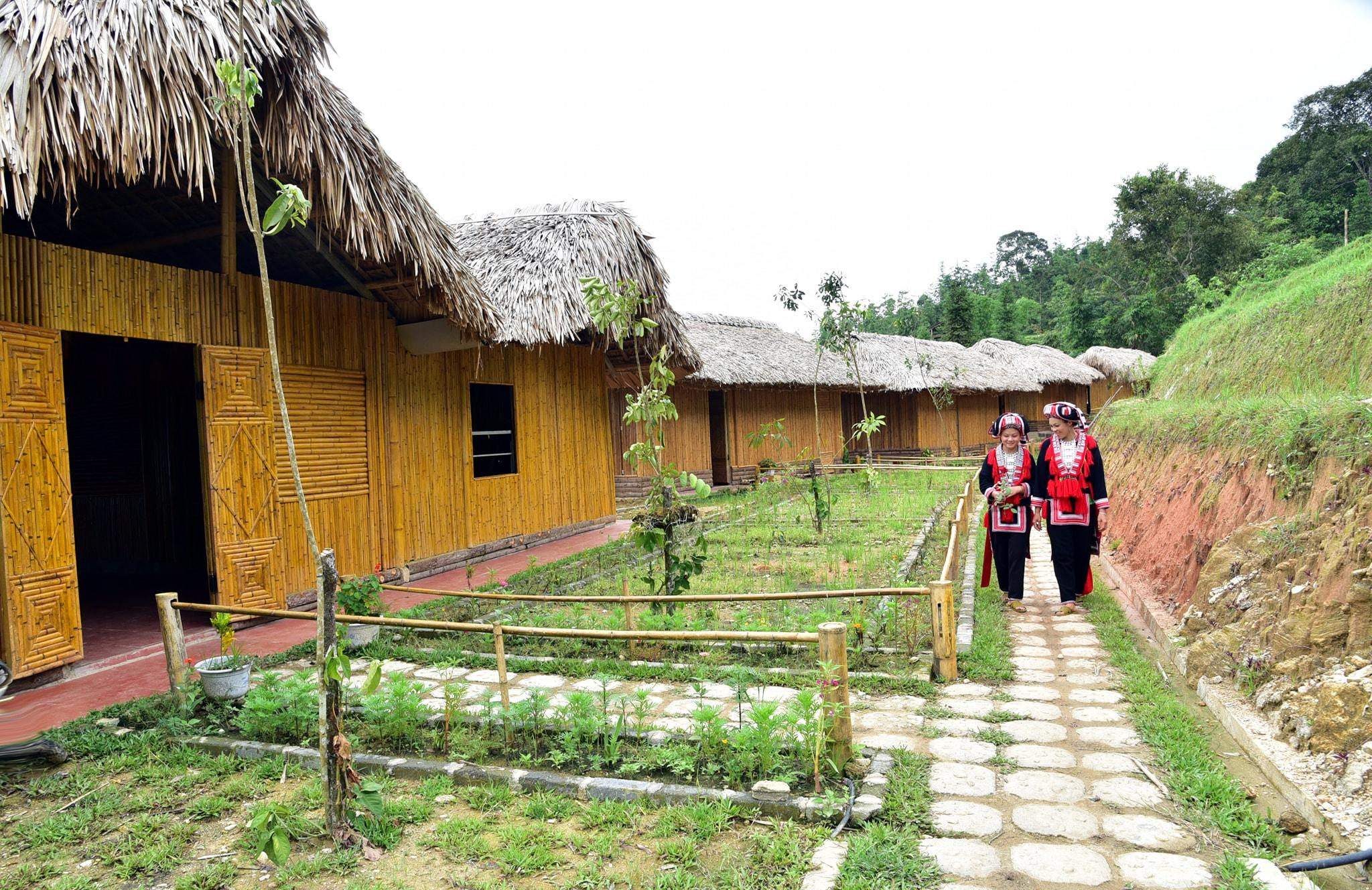 HTX du lịch cộng đồng và dịch vụ tổng hợp thôn Nậm Hồng giúp đoàn viên, thanh niên trong thôn, xã có thêm nghề mới