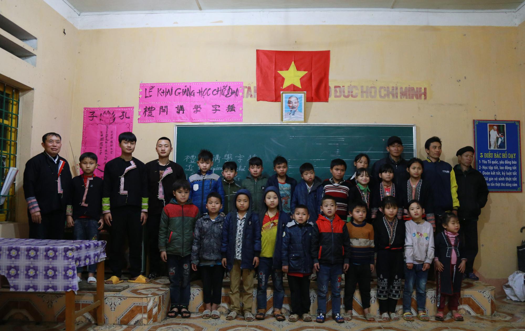 Lớp học thu hút đông đảo thanh, thiếu niên trong thôn tham gia