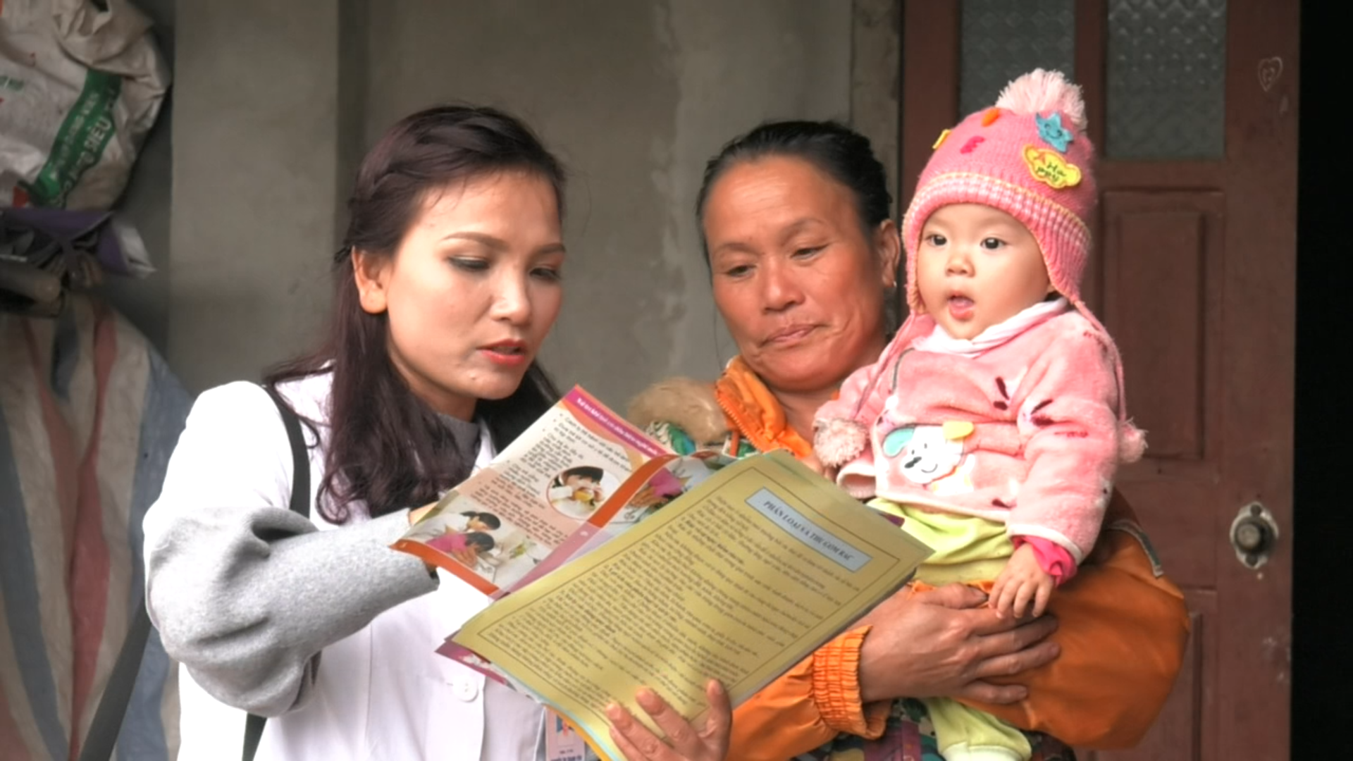 Tuyên truyền về kế hoạch hóa gia đình cho phụ nữ miền núi