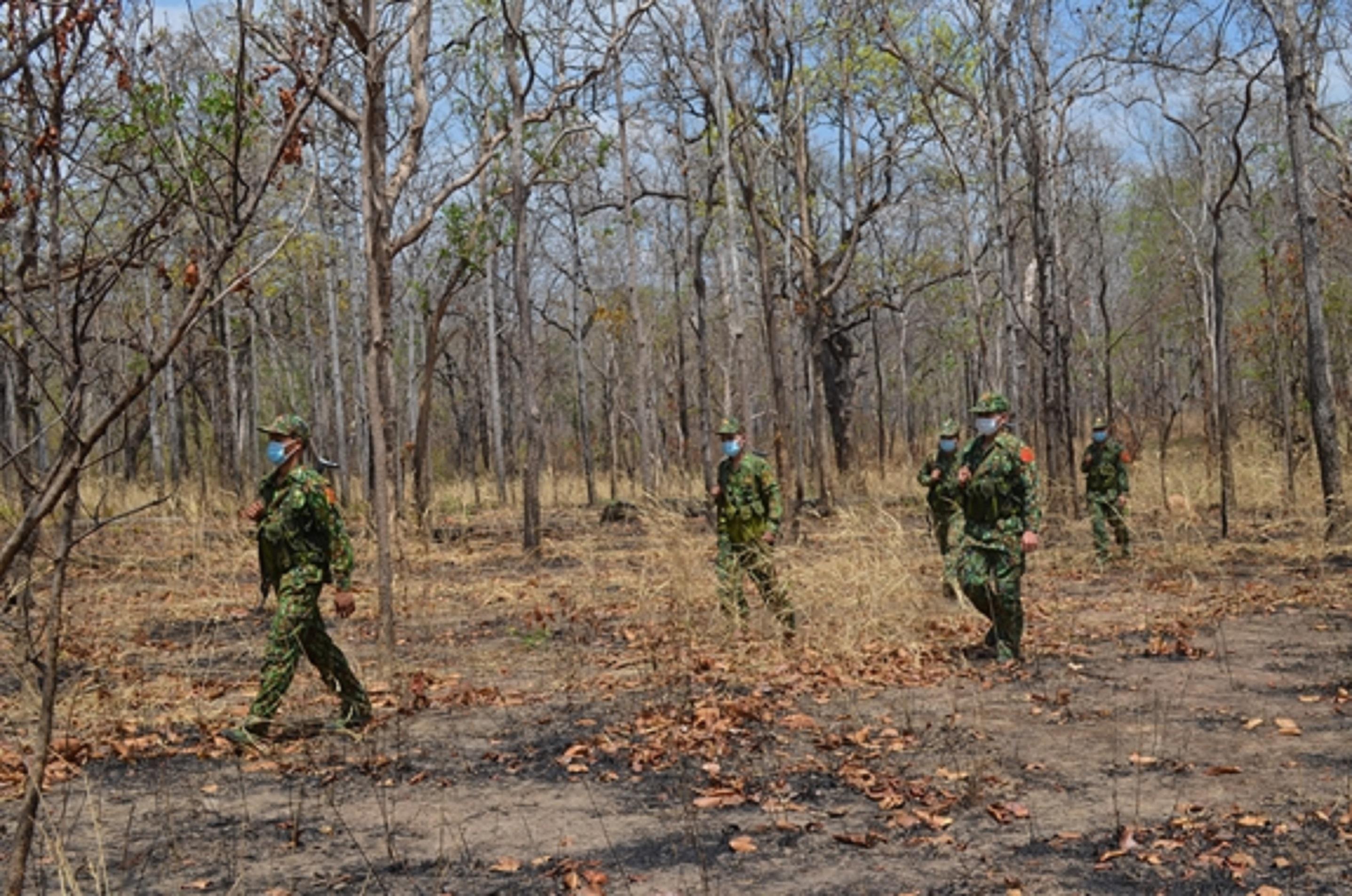 Các chiến sỹ biên phòng tuần tra biên giới ngăn chặn nhập cảnh trái phép