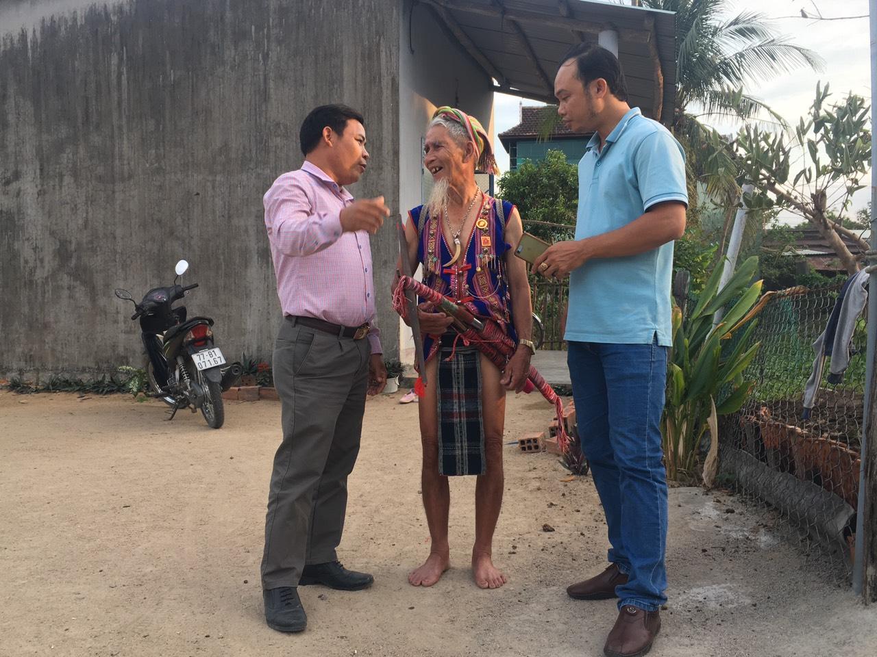 Già làng Lê Văn Ru bày tỏ sự kỳ vọng của người dân vào cuộc bầu cử ĐBQH và đại biểu HĐND các cấp sắp diễn ra