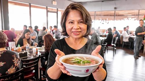 Bà Mai Trần – chủ nhà hàng Phở 79 tại Mỹ