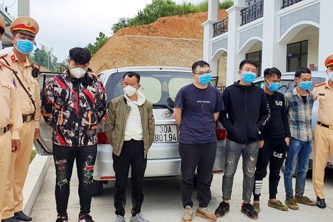 Lực lượng chức năng bắt giữ các đối tượng nhập cảnh trái phép vào Việt Nam