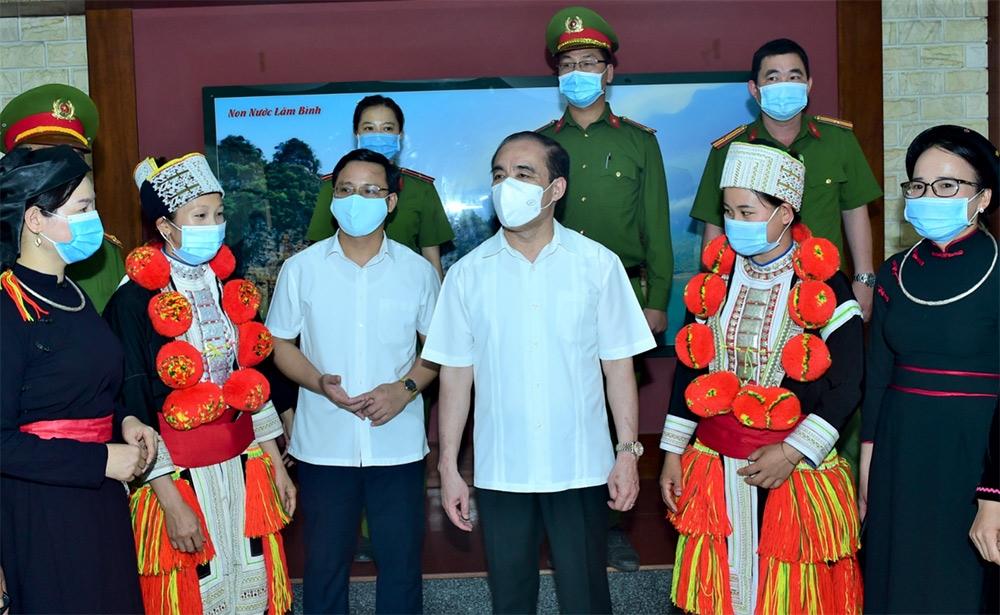 Bí thư Tỉnh ủy Chẩu Văn Lâm với cử tri xã Lăng Can, Lâm Bình.