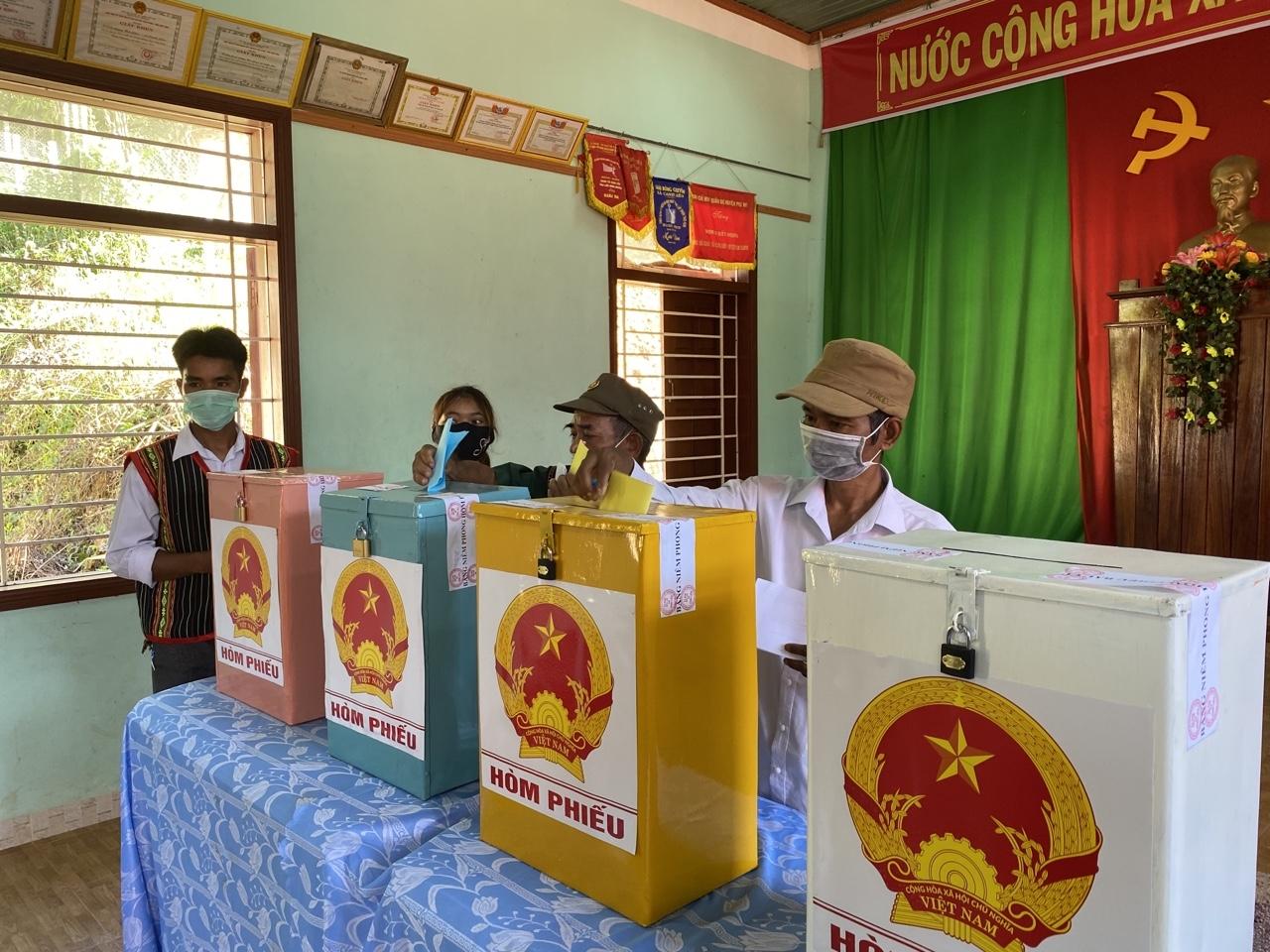 Cử tri miền Trung đặt trọn niềm tin vào lá phiếu