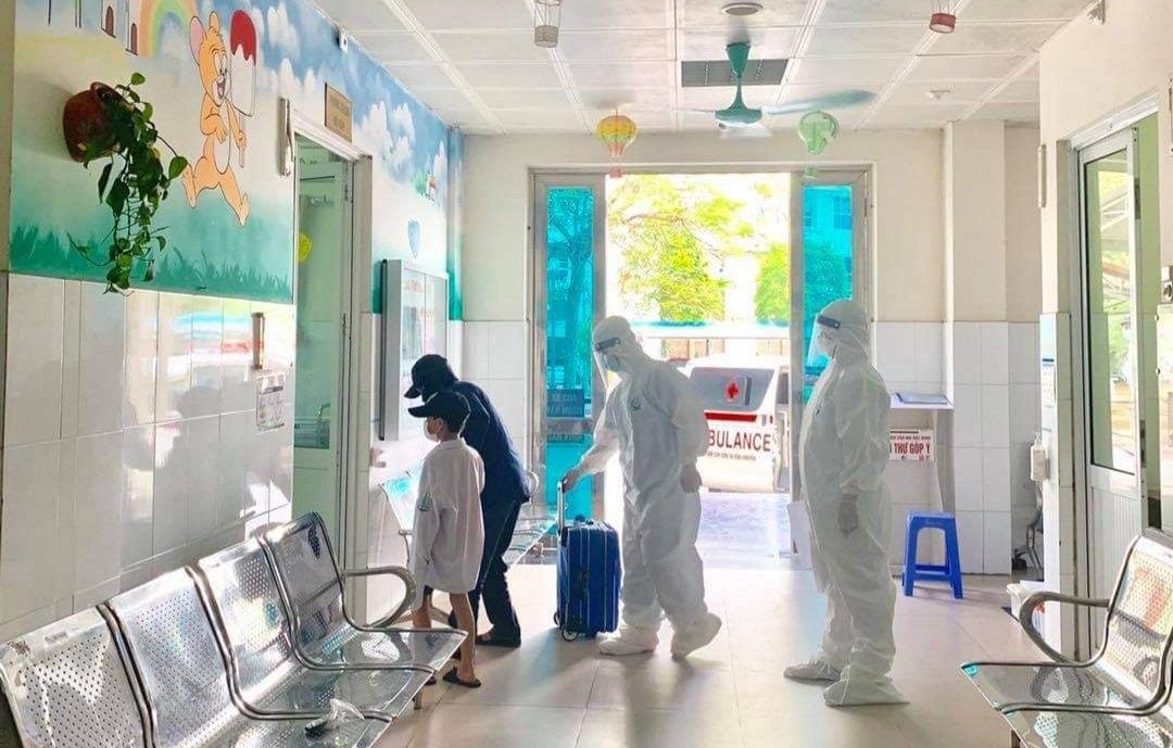 Với sự nỗ lực của toàn xã hội, nhiều bệnh nhân trong tâm dịch tỉnh Bắc Giang đã khỏi bệnh, trở về với cộng đồng.