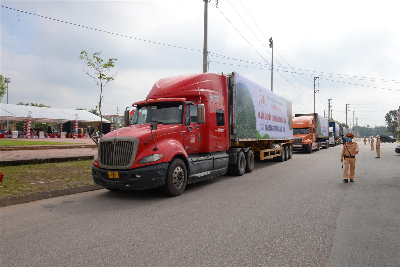 Lễ xuất hành đoàn xe chở vải thiều xuất khẩu sang thị trường Nhật Bản