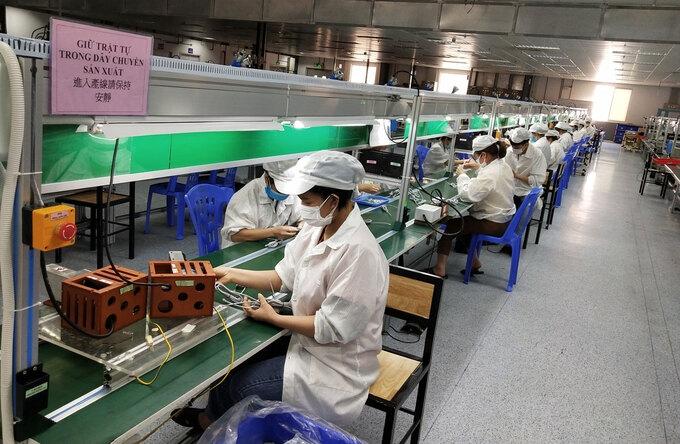 Công nhân ở Bắc Giang trở lại nhà máy làm việc phải đảm bảo giãn cách an toàn