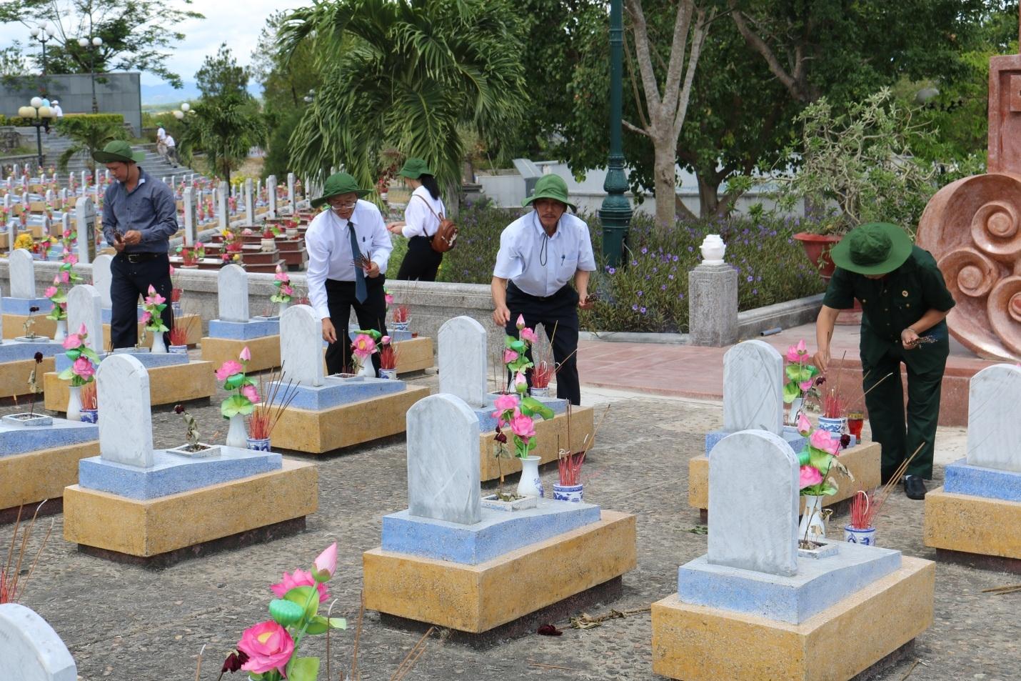 """Chương trình """"Hoa dâng mộ liệt sỹ"""" sẽ được tổ chức tại Nghĩa trang liệt sỹ Quốc gia Đường 9."""