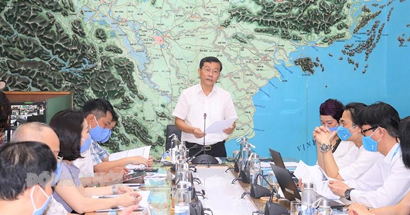 Phó tổng cục trưởng Tổng cục Phòng chống thiên tai Nguyễn Văn Tiến phát biểu tại chương trình tập huấn. (Ảnh ban tổ chức cung cấp)