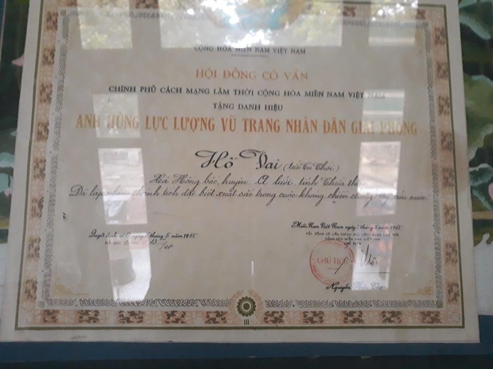 Tấm bằng công nhận Anh hùng lự lượng vũ trang nhân dân giải phóng của ông Hồ Vai