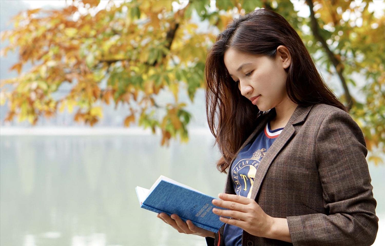 Nhà văn Lữ Mai với tác phẩm Ngang qua bình minh