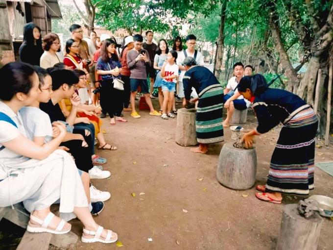Mô hình du lịch khám phá được một số bạn trẻ ở huyện Lắk (Đăk Lăk) lựa chọn khởi nghiệp.