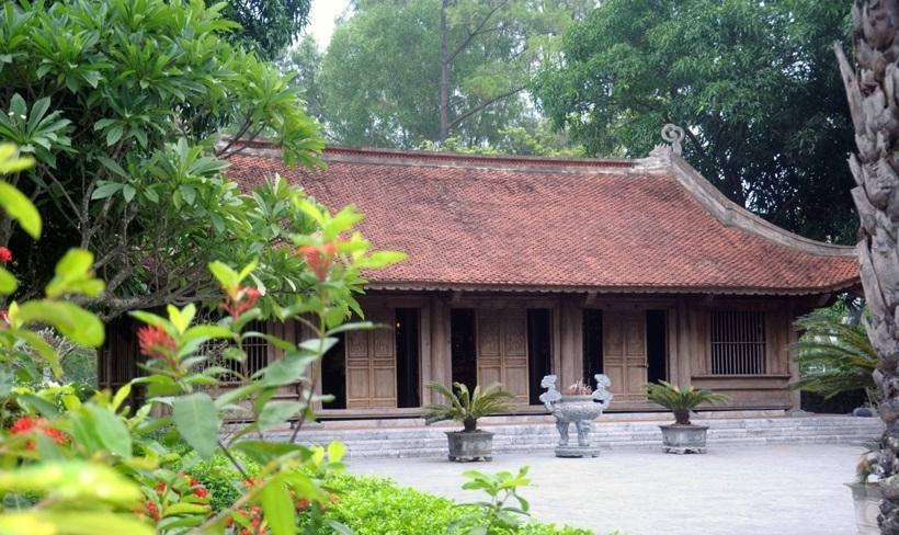 Ngôi Từ đường họ Nguyễn ở làng cổ Tiên Điền