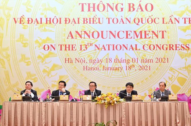 Các đại biểu tham dự cuộc họp thông báo cho Đoàn Ngoại giao và các tổ chức quốc tế tại Việt Nam về Đại hội đại biểu toàn quốc lần thứ XIII của Đảng