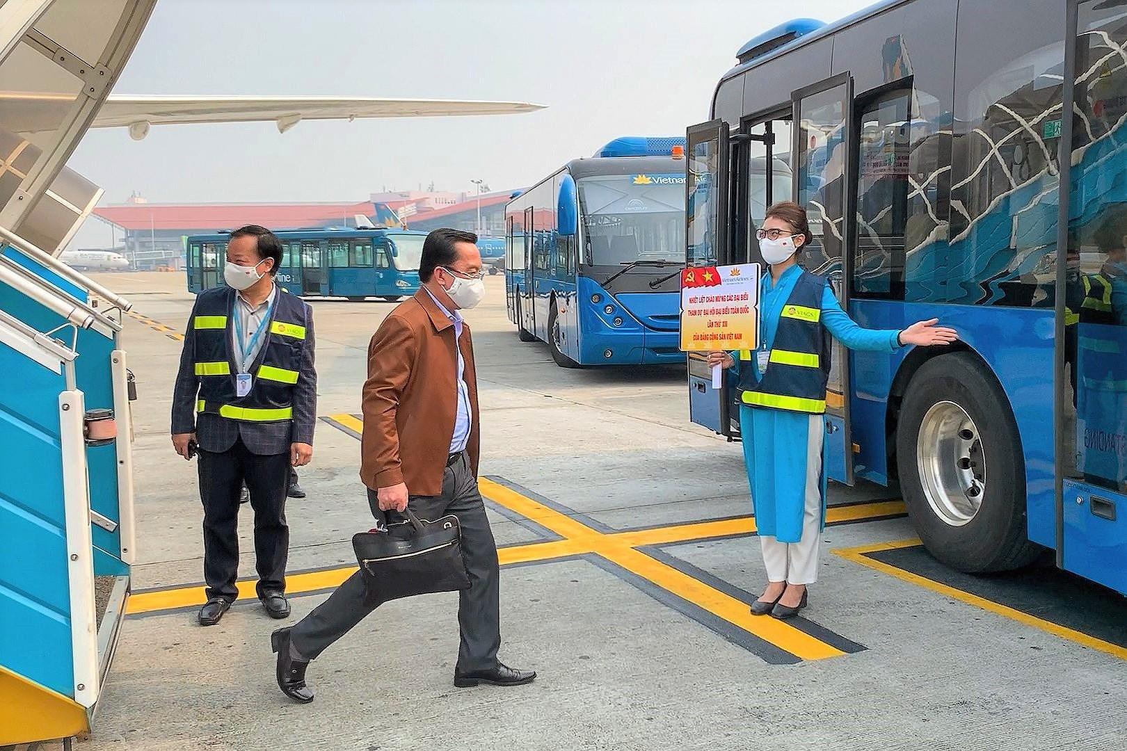 Vietnam Airlines đã tập trung nguồn lực cao nhất để đảm bảo phục vụ an toàn, chu đáo cho các đoàn đại biểu tham dự Đại hội Đảng toàn quốc lần thứ XIII. (Ảnh: CTV/Vietnam+)