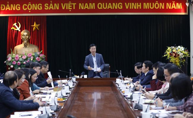 Trưởng banTuyên giáo Trung ương Võ Văn Thưởng phát biểu chỉ đạo cuộc họp.