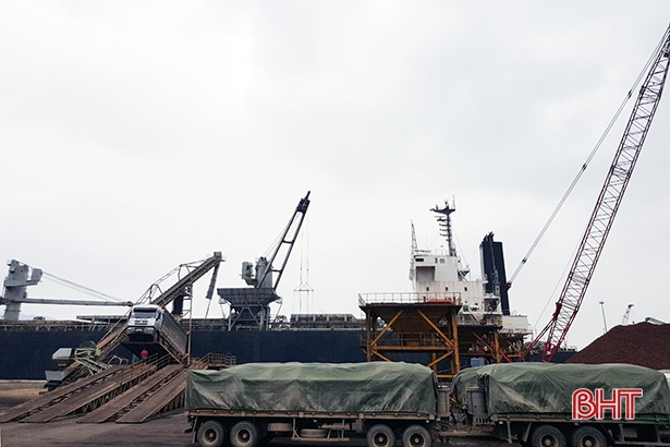 Chuyến tàu đầu năm 2021 cập cảng quốc tế Lào - Việt, Hà Tĩnh
