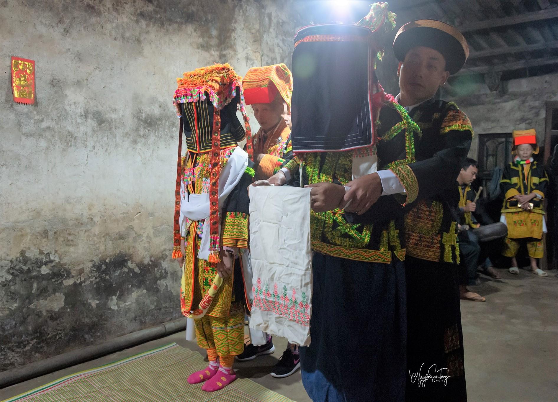 Nghi lễ đám cưới của người Dao Mẫu Sơn 7
