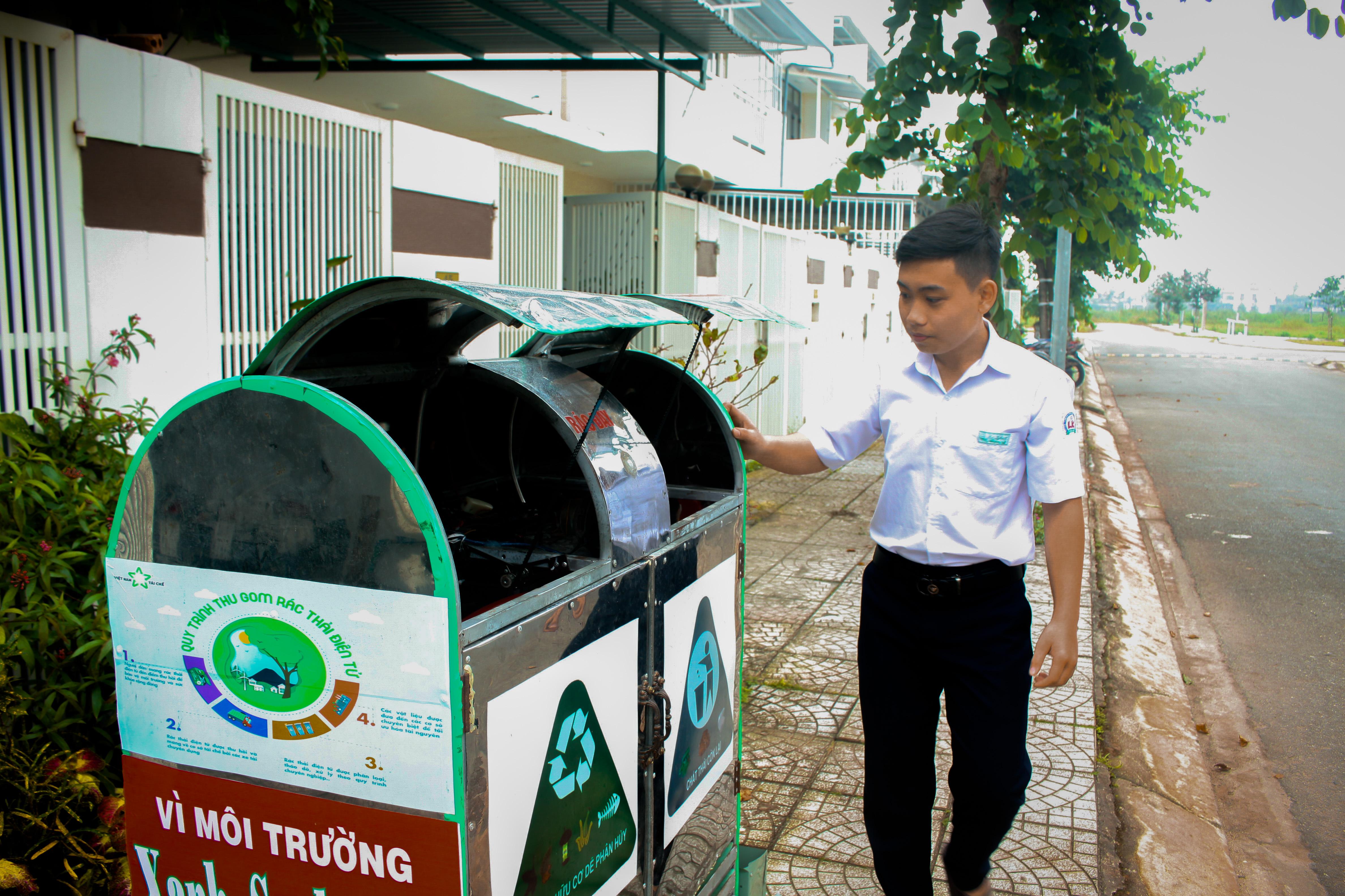 Thùng rác thông minh đặt tại khu đô thị thuộc TP. Quảng Ngãi.