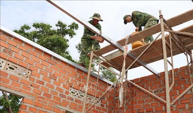 Những ngôi nhà nghĩa tình quân - dân do công, sức lực lượng vũ trang tỉnh Gia Lai cùng đồng lòng, hỗ trợ đóng góp. Ảnh: Hồng Điệp - TTXVN