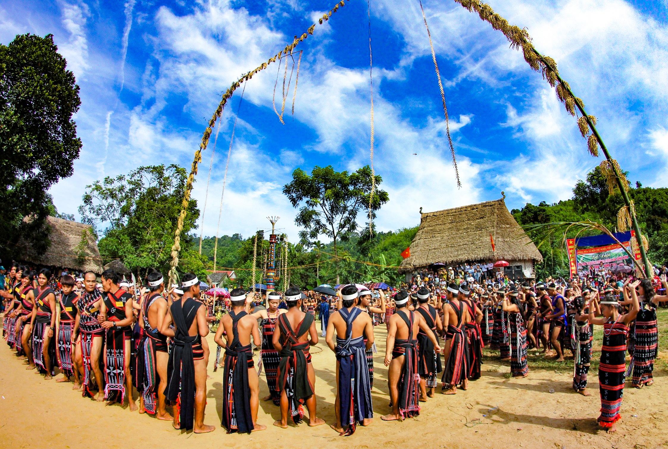 Hội làng ở vùng cao