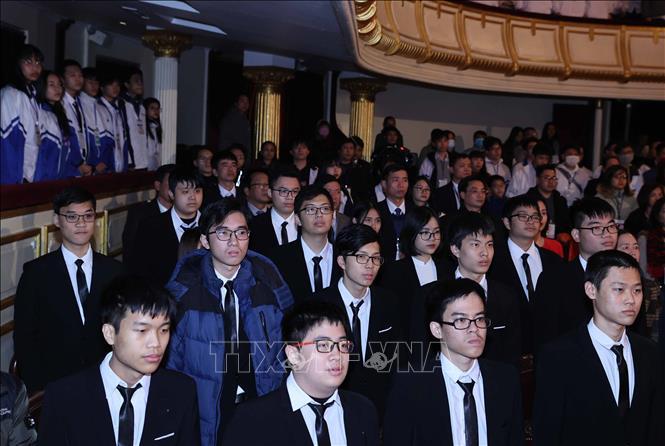 Các em học sinh tại Lễ tuyên dương. Ảnh: Thống Nhất/TTXVN