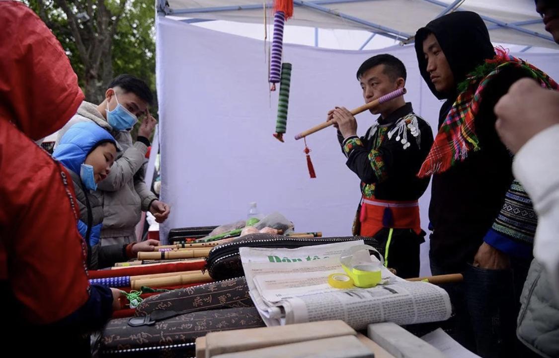Các nhạc cụ truyền thống của đồng bào dân tộc Mông đa dạng mẫu mã, kích thước