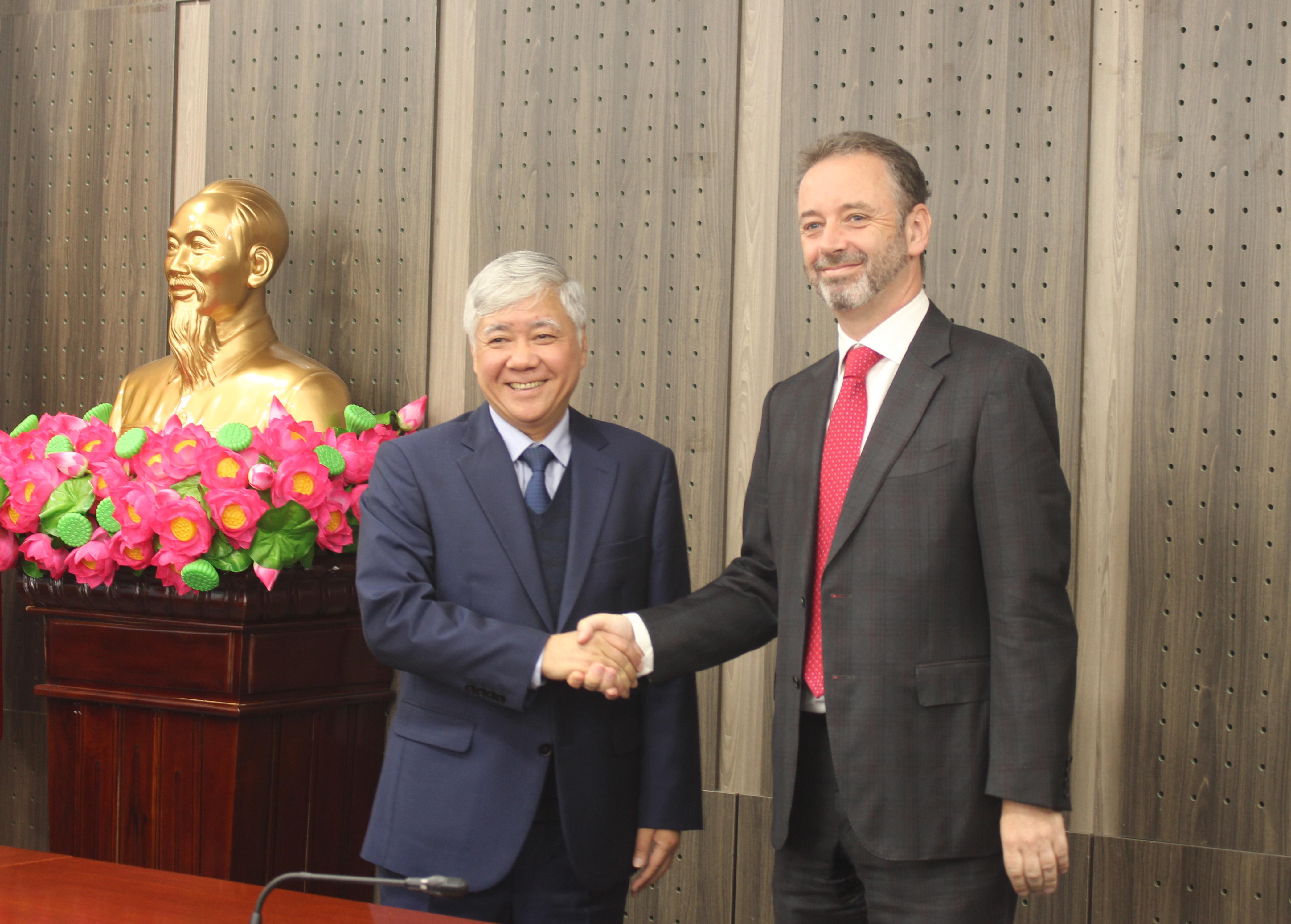 Bộ trưởng, Chủ nhiệm Đỗ Văn Chiến trân trọng cảm ơn và đánh giá cao sự quan tâm và những đóng góp quý báu của Chính phủ Ai Len, Đại sứ quán Ai Len tại Việt Nam đối với việc triển khai các chính sách dân tộc của Việt Nam.