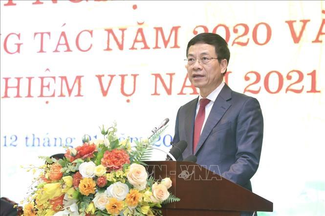 Bộ trưởng Bộ Thông tin và Truyền thông Nguyễn Mạnh Hùng phát biểu khai mạc. Ảnh: Minh Quyết/TTXVN
