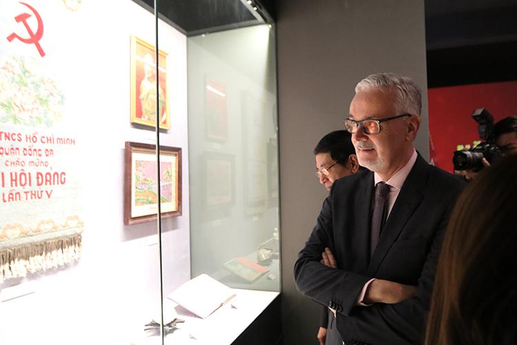 Khai mạc trưng bày chuyên đề 'Đảng Cộng sản Việt Nam - Từ Đại hội đến Đại hội' 3