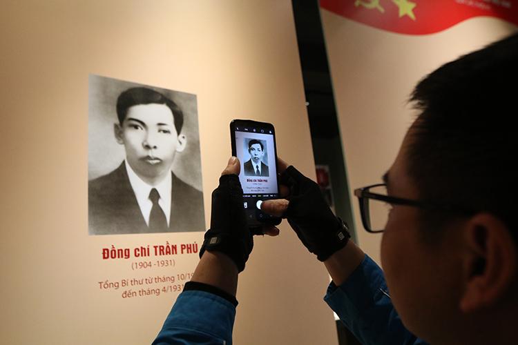 Hơn 200 tài liệu, hiện vật, hình ảnh tiêu biểu được trưng bày