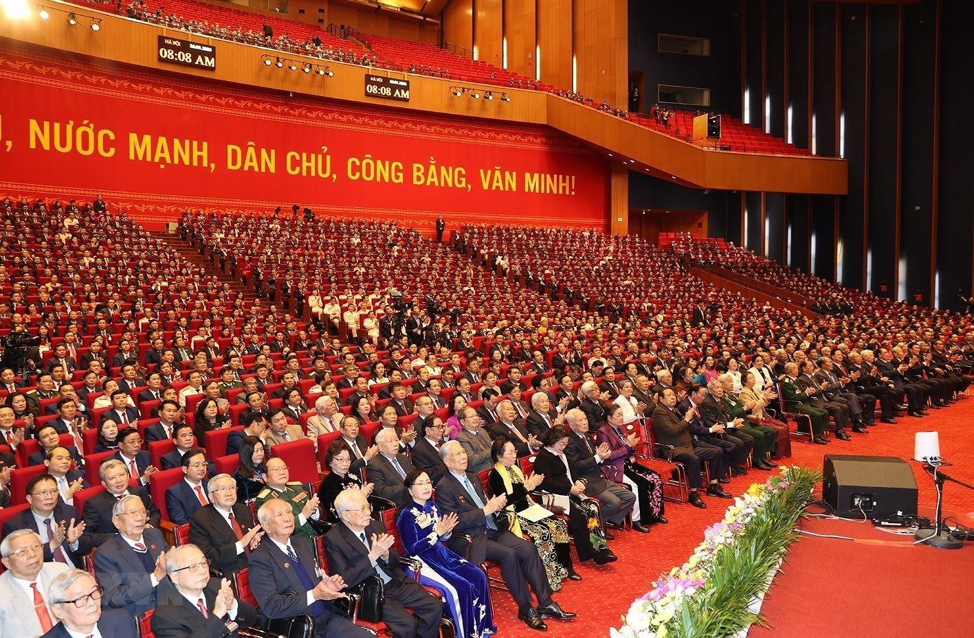 Đại biểu dự Phiên khai mạc Đại hội XIII của Đảng