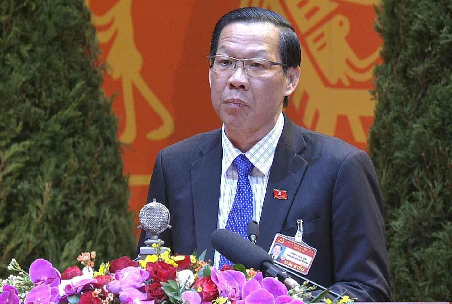 Bí thư Tỉnh ủy Bến Tre Phan Văn Mãi trình bày tham luận