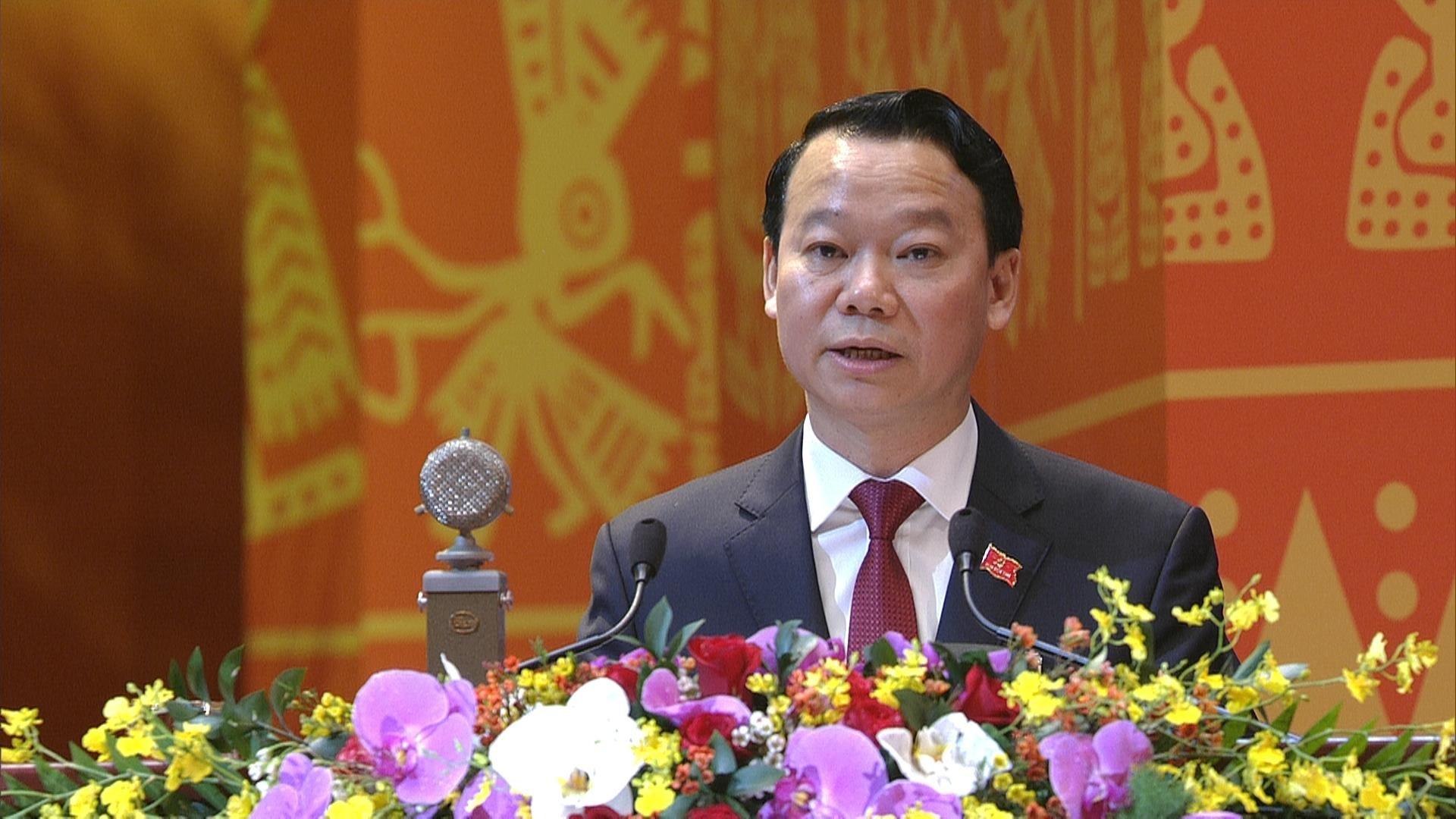 Bí thư Tỉnh ủy, Chủ tịch HĐND tỉnh Yên bái Đỗ Đức Duy trình bày tham luận